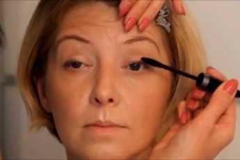Секреты опытных женщин: как макияжем «спрятать» возраст после 45 лет