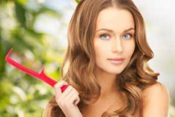 Основные причины выпадения волос у женщин разных возрастов